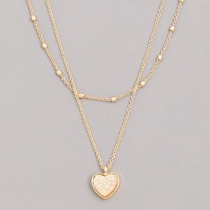 Jewelry - NEW! Iridescent Heart Gold Dainty Necklace